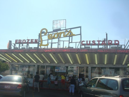 Leon's Frozen Custard Drive-in : Nostalgia
