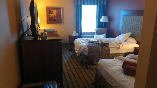 Best Western Plus Inn at Valley View: Double room, double beds.