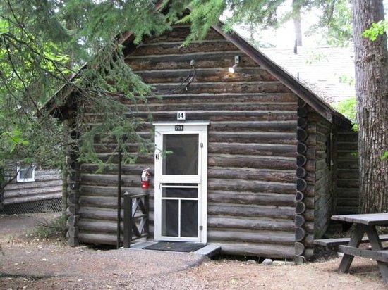 Lake McDonald Lodge: Front Of Cabin