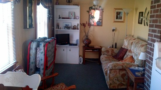 Butler's By The Sea Bed and Breakfast : Living room