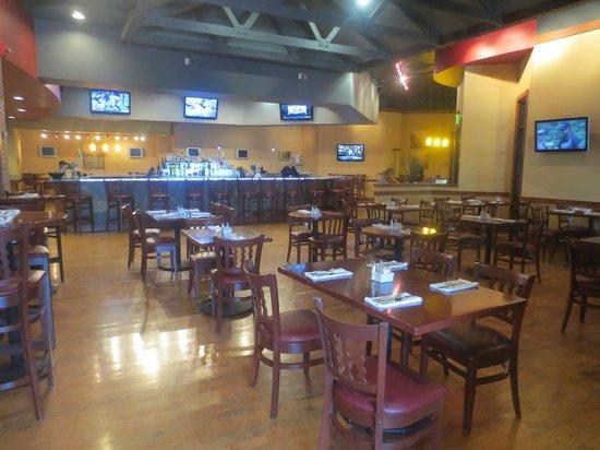 Denver Marriott West: Restaurant/Bar downstairs