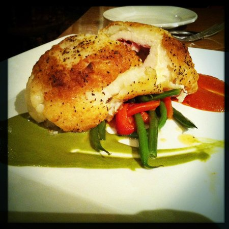 Mahogany Grille : Potato Encrusted Chicken