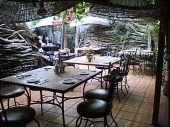 Decoraciones de madera en el rea principal picture of for Jardin al aire libre de madera deco