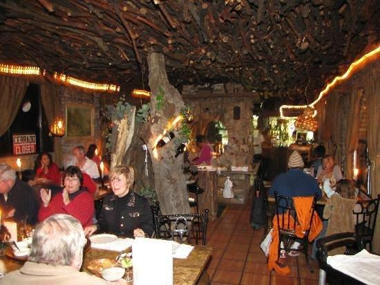 Tapanco: Decoraciones de madera en el área principal