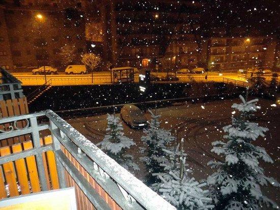 Hotel Palome: La primera nevada del año