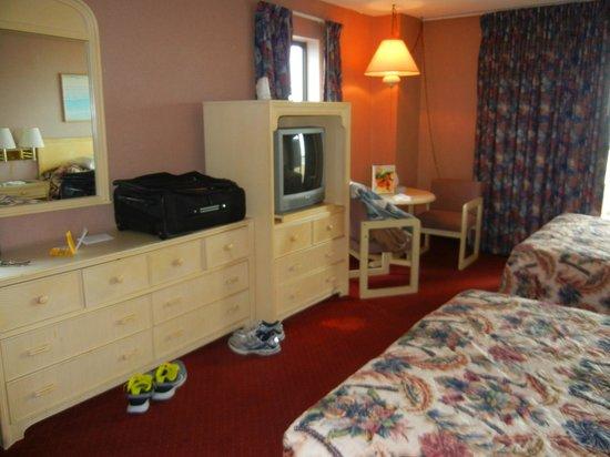 Americana Hotel: 2 Queen Room