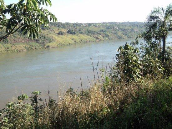 SUPARA: Vista del Paraná desde las cabañas.