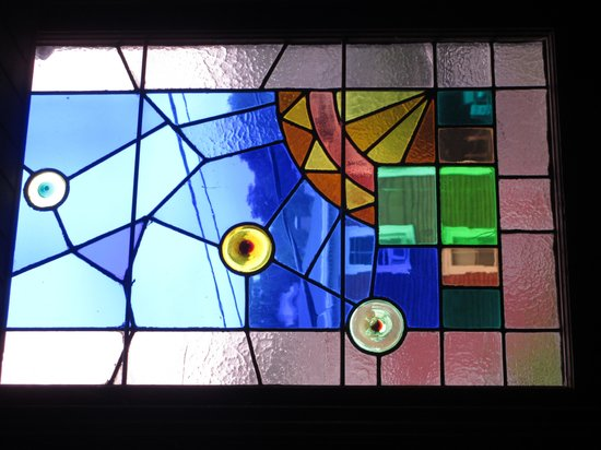 ‪‪The William Henry Miller Inn‬: stained glass‬