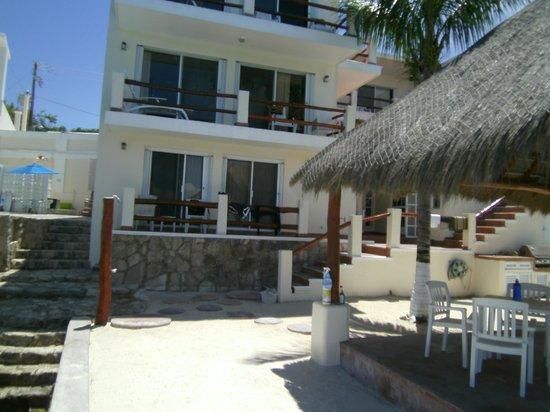 Villa Aldora: Lower room is the Barracuda Suite balcony
