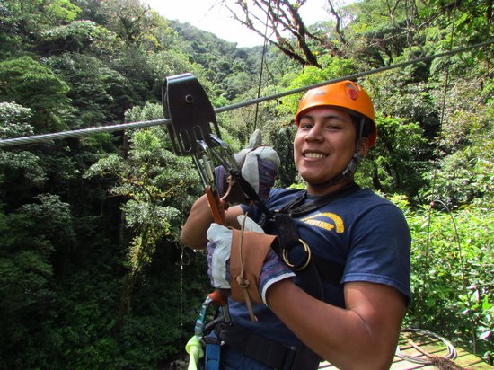 Boquete Tree Trek Mountain Resort: Listo para descender en el Cannopy