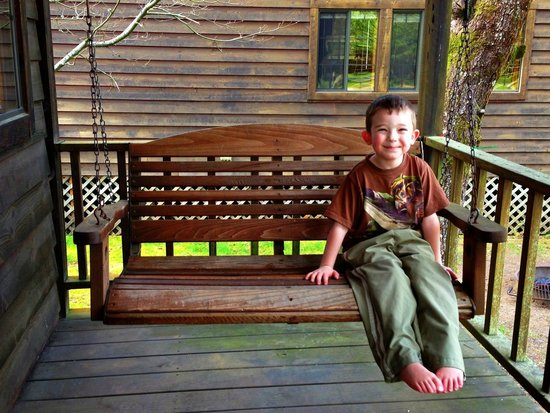Astoria/Warrenton/Seaside KOA: Coplete with swing on porch