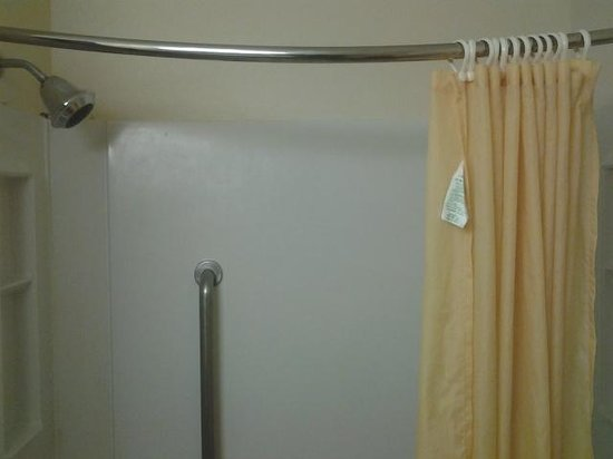 Best Western Wytheville Inn: Large shower head