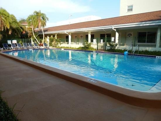 The Hotel Sol: piscine de l'hôtel