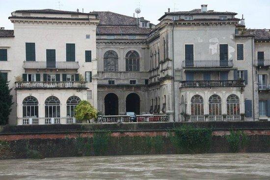 Affittacamere Borgo Roma: Verona
