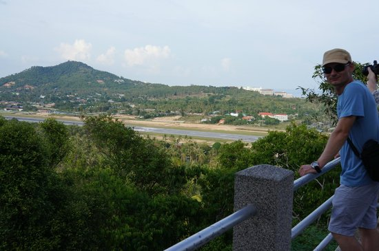 Phra Phutthabat Chamlong Khao Hua Chuk: Runway view