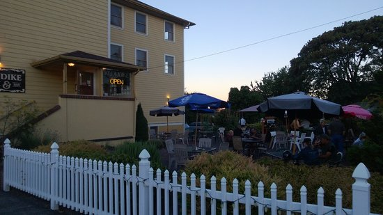 Klondike Restaurant & Bar: view from street