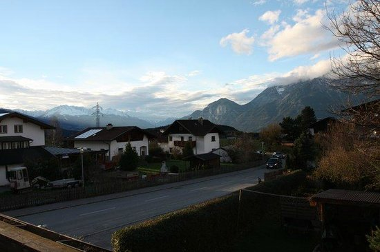 Sistrans, Österreich: Looking towards Innsbruck from the balcony of my room.