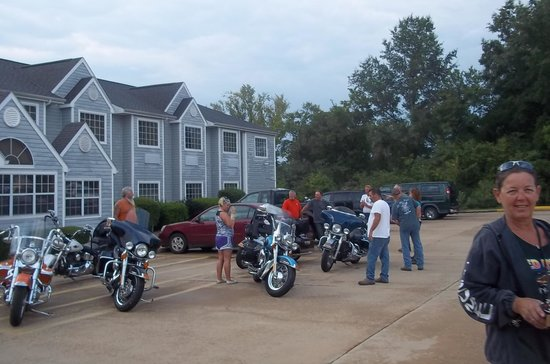 Microtel Inn & Suites by Wyndham Broken Bow: Biker Friendly...