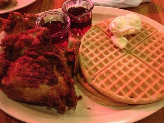 Chicken and Waffles with Mac and Cheese - Picture of Roscoe's House of ...