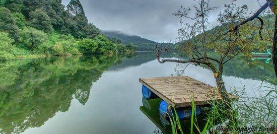 Club Mahindra Naukuchiatal: lake view from the Resort.