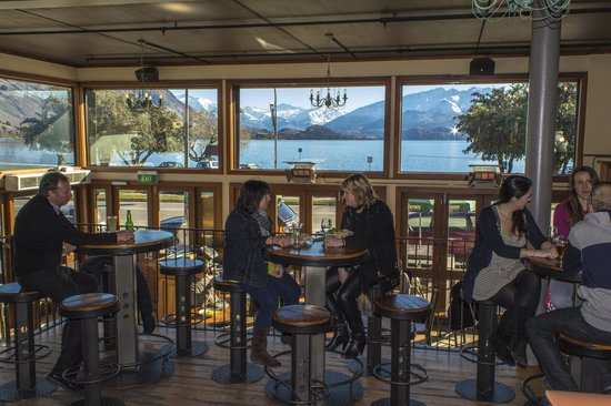 Lake Bar: Inside Bar/ Casual Dining Area