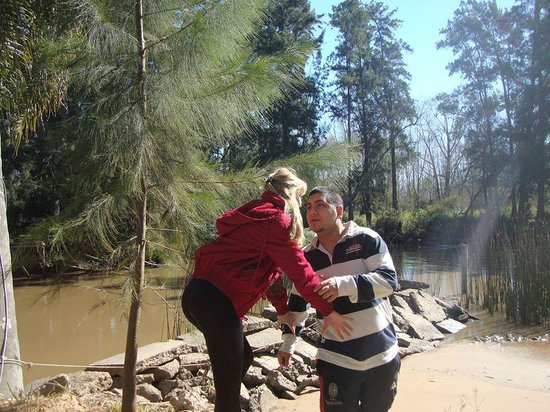 La Viña Casas Isleñas: Rodeando la zona de la Playita, arroyo Caraguatá