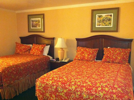 BEST WESTERN Country Lane Inn: Our room...