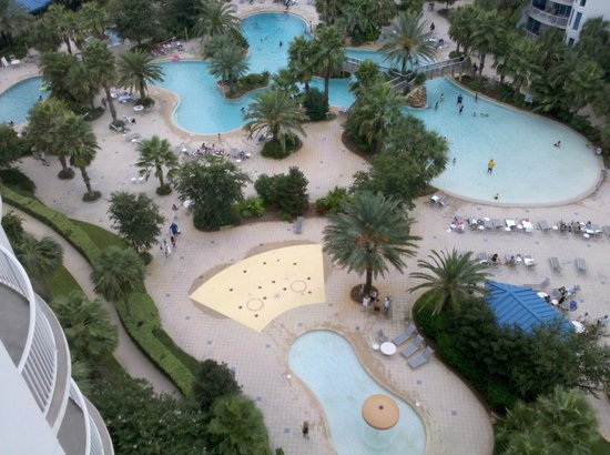 The Palms of Destin Resort and Conference Center: The view of the pools from our balcony on the 12th floor.