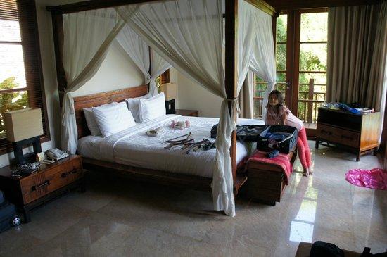 โรงแรมการ์มา กันดารา: Villa One Master bedroom