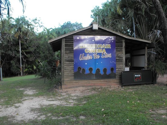 Tumbling Waters Holiday Park : Twilight movies shown twice weekly