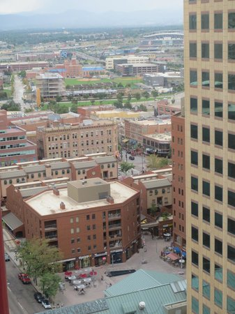 view from room picture of the westin denver downtown. Black Bedroom Furniture Sets. Home Design Ideas