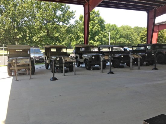 U.S. Army Transportation Museum: Family of Jeeps (1940-1988)