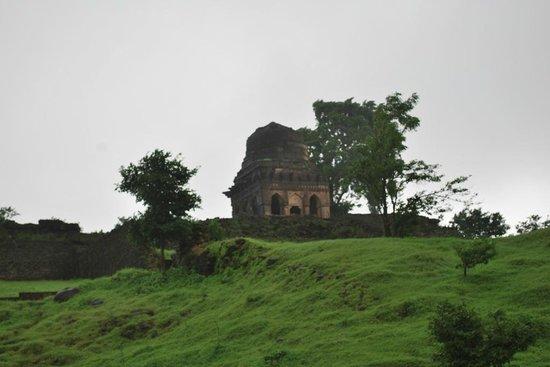 Echo Point: Green Mandu during the monsoons