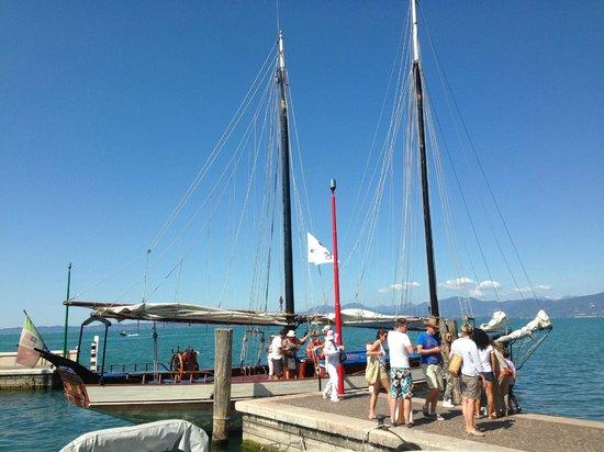 Hotel du Lac et Bellevue: Hotel eigene Segelyacht
