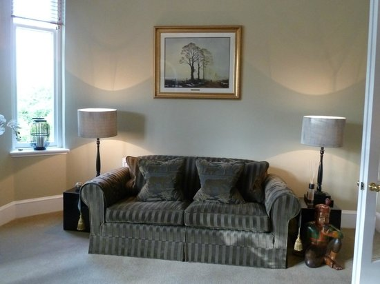 'The Grange' - Guest's Lounge