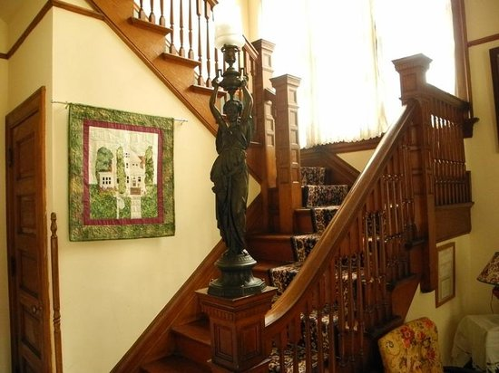Gollmar Guest House: The Staircase