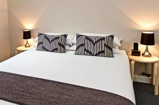 Ryals Serviced Apartments - Camperdown : Queen Bed