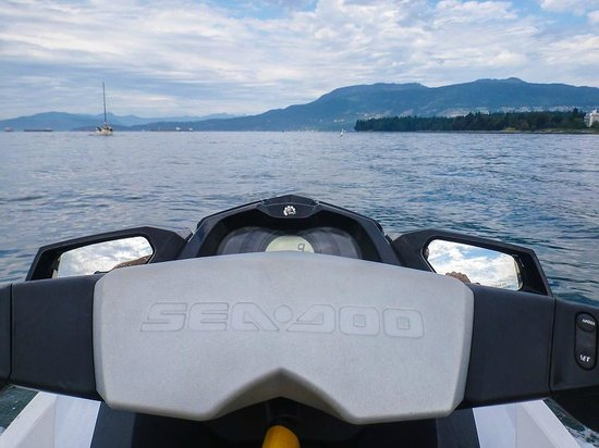 Vancouver Water Adventures: Heading out to Lighthouse Park
