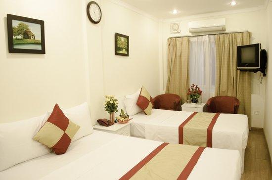 Blue Moon Hotel: Hotel Room