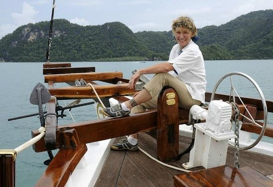 Damai Indah A Day in Paradise: Captain Eva