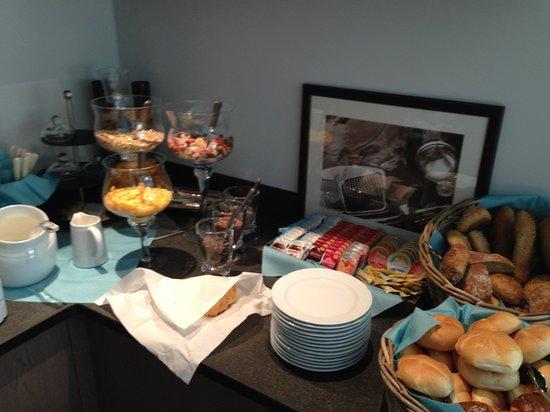 Hotel Minigolf : Buffet a colazione