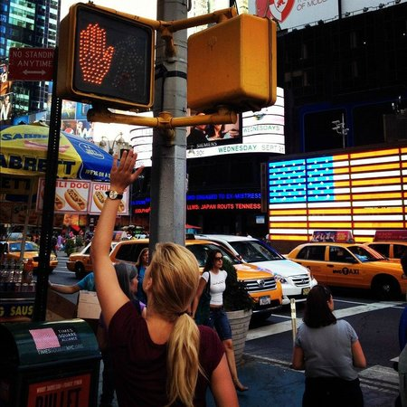 Outside In Walking Tours: Times Square - Hi5