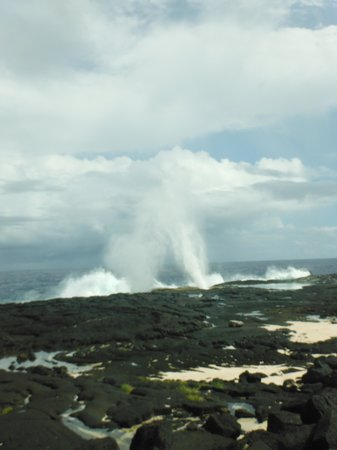 Alofaaga Blowholes : bad lighting my fault