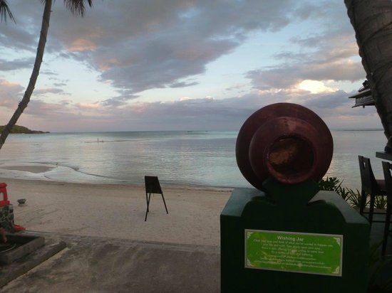 The Briza Beach Resort Samui: The beach