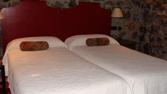 Hotel Antsotegi: chambre originale et confortable