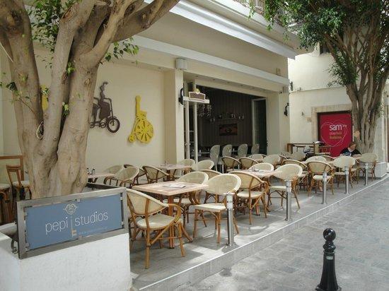Pepi Boutique Hotel: το εστιατόριο