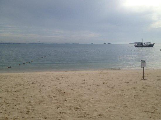 Samed club beach.