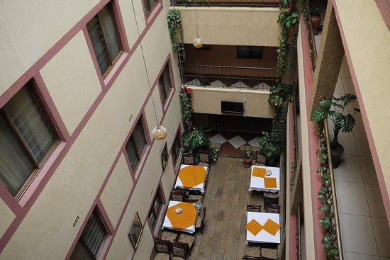 Delta Hotel: Interior