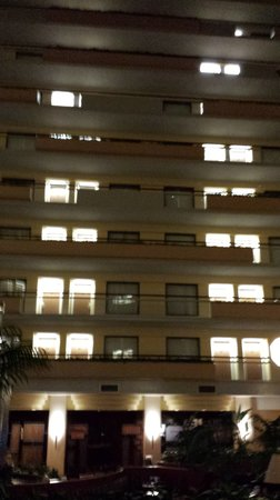 Embassy Suites by Hilton San Antonio Airport : suspected floors where noise came from