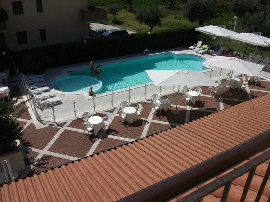 Hotel Ristorante Villa Elena : Piscina